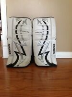 "Vaughn 20"" youth goalie pads"