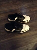 Size 8.5 Nike golf shoes