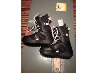 Burton Coco snowboarding boots size women's UK7 excellent condition