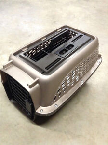 Petmate Carrier/Kennel near new condition for puppy or kitten