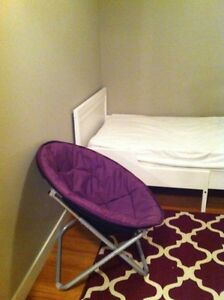 Short term rooms for female at King Edward