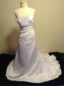 Alfred Angelo Wedding Dress Size 6 New With Tags Edmonton Edmonton Area image 1