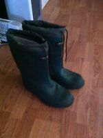 Steel toe Baffin Rubber boots size 8