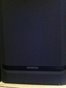Kenwood 3 way 3 speaker 3 foot tower speakers 140W 8ohms