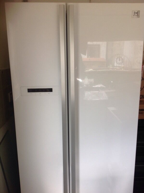 Daewoo American Fridge Freezerin Dunfermline, FifeGumtree - Daewoo American Fridge Freezer, white, 2 years old, good condition. Buyer to uplift