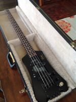 Cort Headless Bass emg's