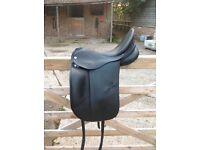 Albion Platinum SLK 17.5inch Medium Wide dressage saddle