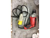 Milwaukee 110 10mm chuck electric drill