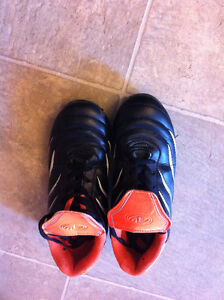 Athletic Works Size 3 Orange/Black/Silver Kids Cleats