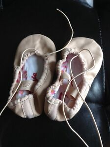 Never worn Size 7T leather ballet slippers