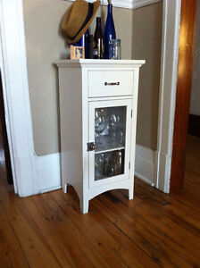 Petit cabinet style antique / Small antique style cabinet