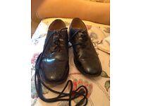 Men's highland shoes size 9