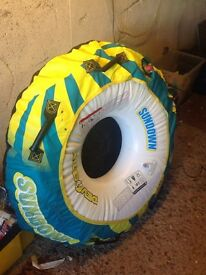 Inflatable speedboat doughnut