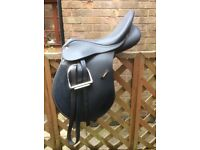 Wintec 500 AP Saddle with CAIR, stirrup irons & leathers & cover