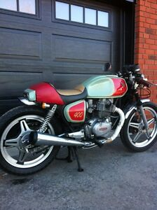 Beautiful Cafe Racer. Must See