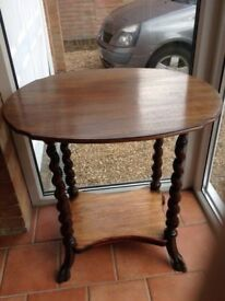 Antique Oval Kingswood Table