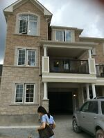 aurora(south newmarket) freehold townhouse 3+1 bedroom