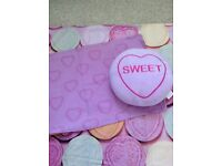 Love Hearts single bed set & cushion