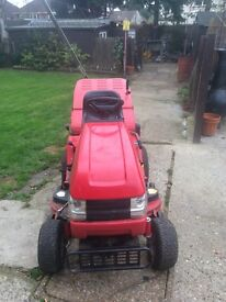 West wood ride on mower with grass collecter