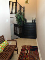 Upper Floor of 2700 sq feet Detatched house For Rent $1775