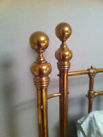 Knob for Curved Brass Bed