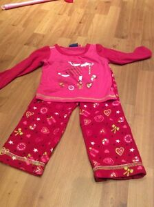 Lot de pyjamas 2 ans ( fille)