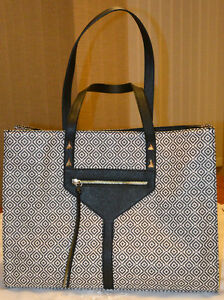 stella & dot Black & White Mosaic Tile City Purse/Tote