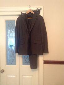 Next signature suit in grey