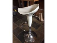 Kitchen Bar Stool / Chair - excellent condition