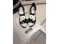 MOSCHINO OPEN SANDALS SIZE 5