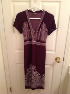 Maternity dress, size M, located in Millwoods