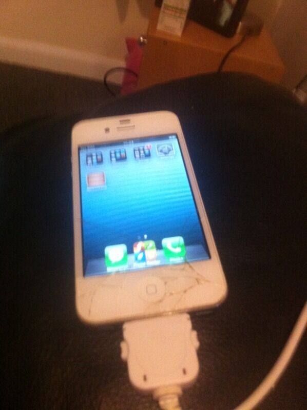 iPhone 4sin Worksop, NottinghamshireGumtree - iPhone 4s going cheap 16gb white with box small crack on bottom easy and cheap fix and charger cable welcome to look before buying