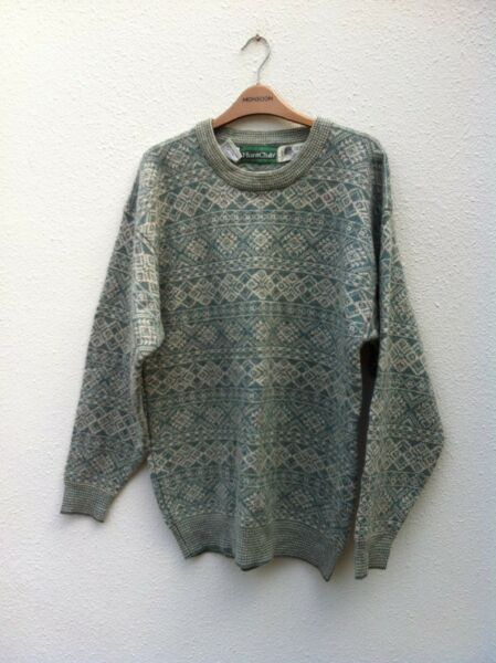 Huntclub Pure Virgin Wool Pullover.  Size M.  In good condition.