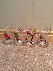 Collectible 1973 Vintage Looney Tunes glasses (4)