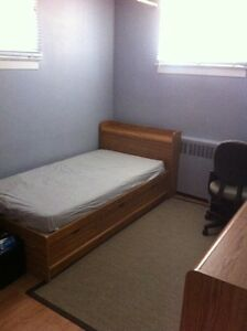 Looking for a female roomate
