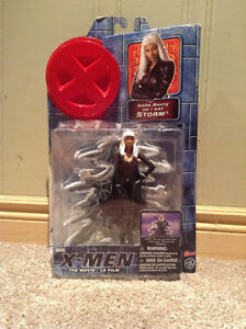 X-Men Storm collectible figure(2000) Unopened and mint condition Kitchener / Waterloo Kitchener Area image 1
