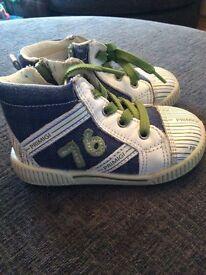 Primigi boots size 20