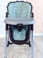 Chaise haute de marque GRACO