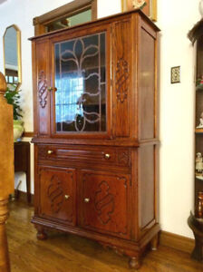 Beautiful Oak China cabinet - Made by Krug Bros Co