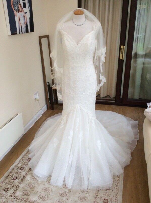 Brand new pronovias Dafna wedding dress size 14/16