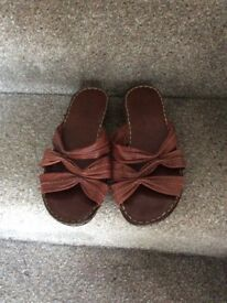 Ladies M&S footglove tan leather sandals 6.5 wide fit