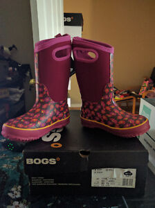 Girls Size 13 Bogs Waterproof Winter Boots, New in Box London Ontario image 2