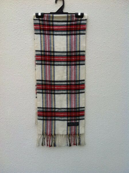 Scarf. Used only twice and in good condition 130 x 32cm.
