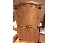 Mexican pine wardrobe with shelf and hanging rail