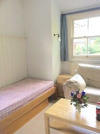 Beautiful furnished bedsit Muswell Hill N10 clean warm dry and light.