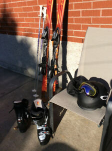 Ski alpin parabolique ,bâton,,bottine ,fixation ,casque  cadenas