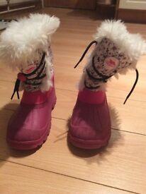 Girls snow skiwear boots size 3