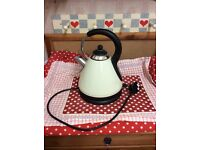 Kitchen Essentials Kettle for display only