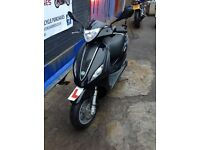 LOW MILEAGE PIAGGIO FLY 125 FOR SALE JUST HAD A SERVICE - NEW TYRES - STERLING