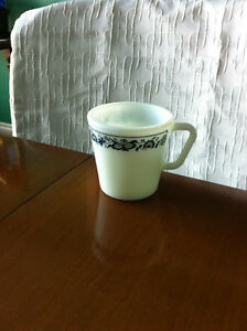 12 Corelle Coffee Mugs